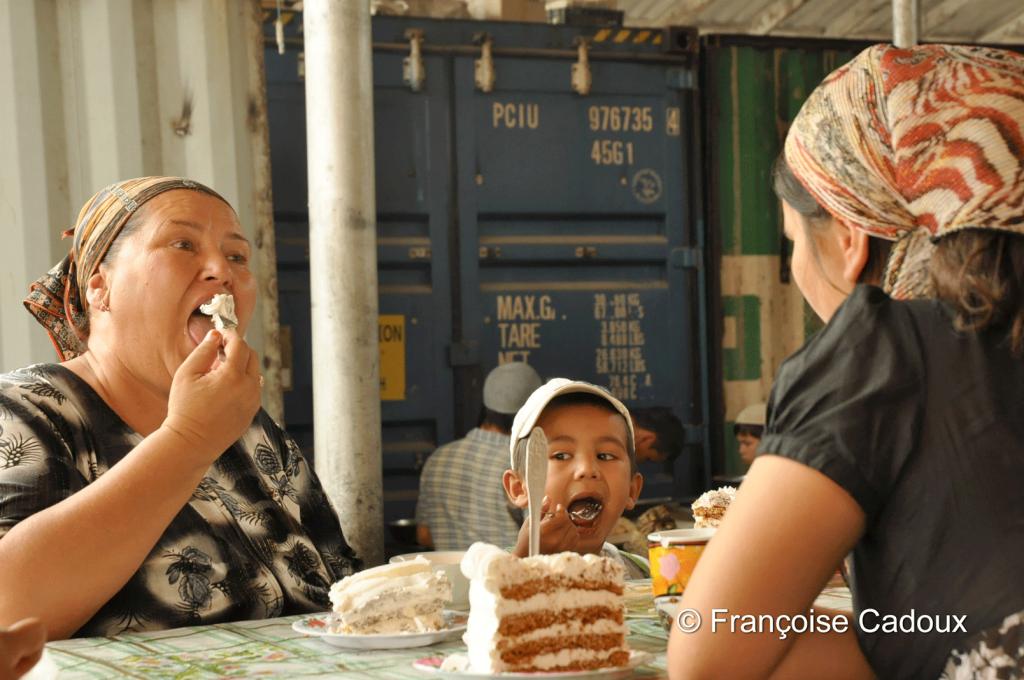 sur le marché d'Osh, sud du Kirghizstan