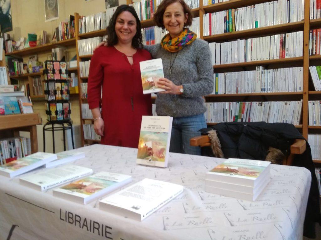 Dédicace à la Ruelle, avec la libraire Marlène